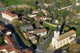 St Didier de Formans